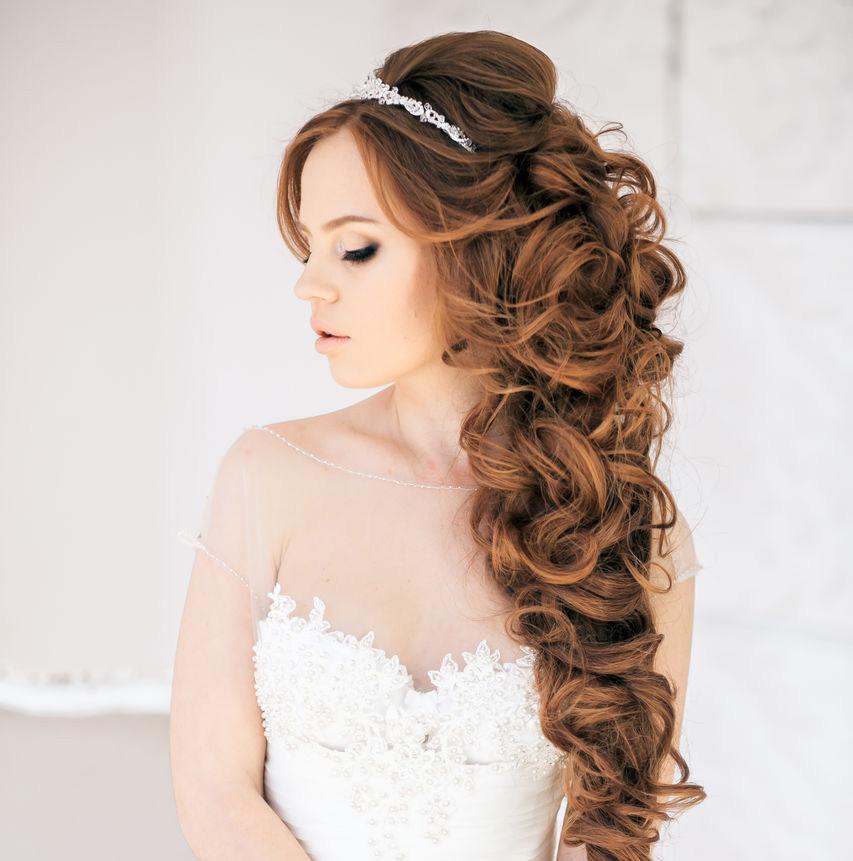 О чем следует подумать невесте, выбирая прическу
