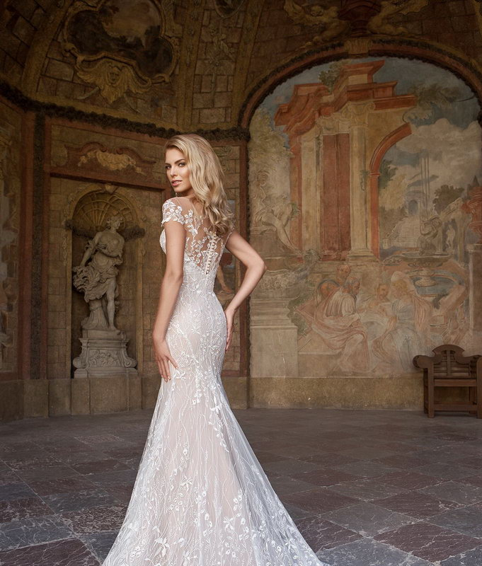 Скидки на коллекцию свадебных платьев 2017 в салоне