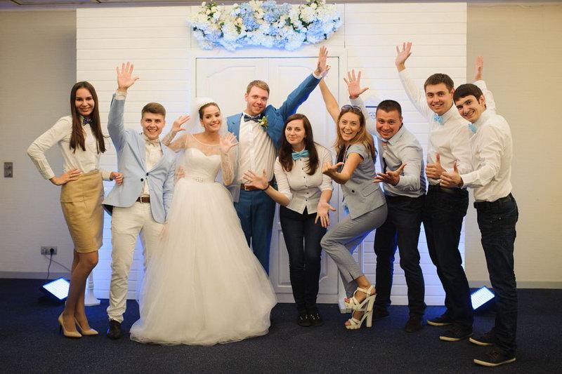 Ведущий Александр Коханов